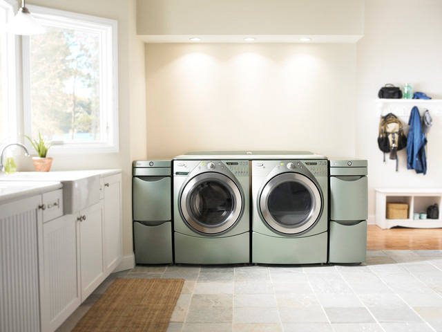Tips for creating a clean and organized laundry room