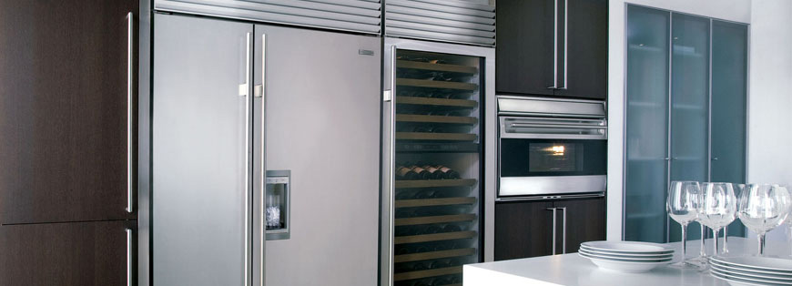 is a sub zero refrigerator worth the money. Black Bedroom Furniture Sets. Home Design Ideas