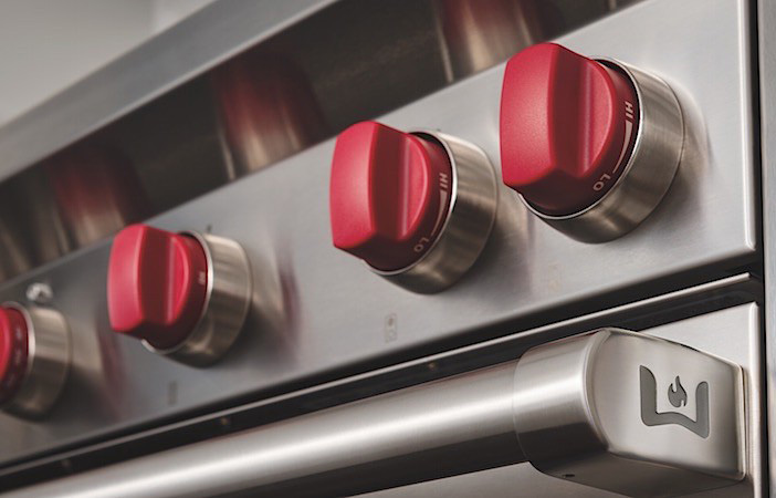 Wolf Iconic Red Knobs