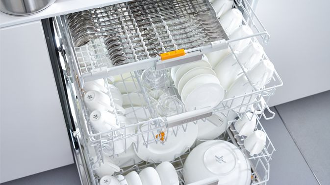 Miele-dishwasher-cleaning-drying