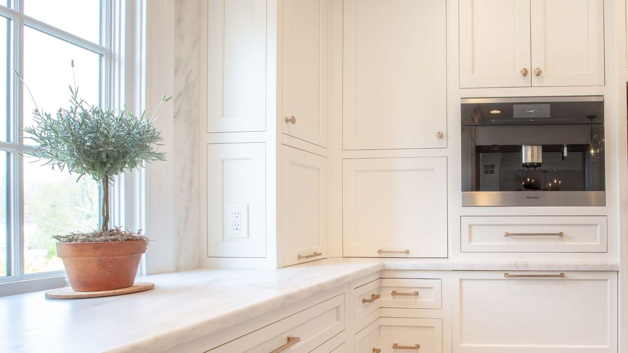 miele-built-in-coffee-maker-cva6805-in-customer-kitchen