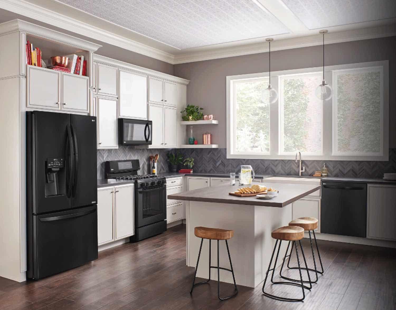LG-dishwasher-in-matte-black