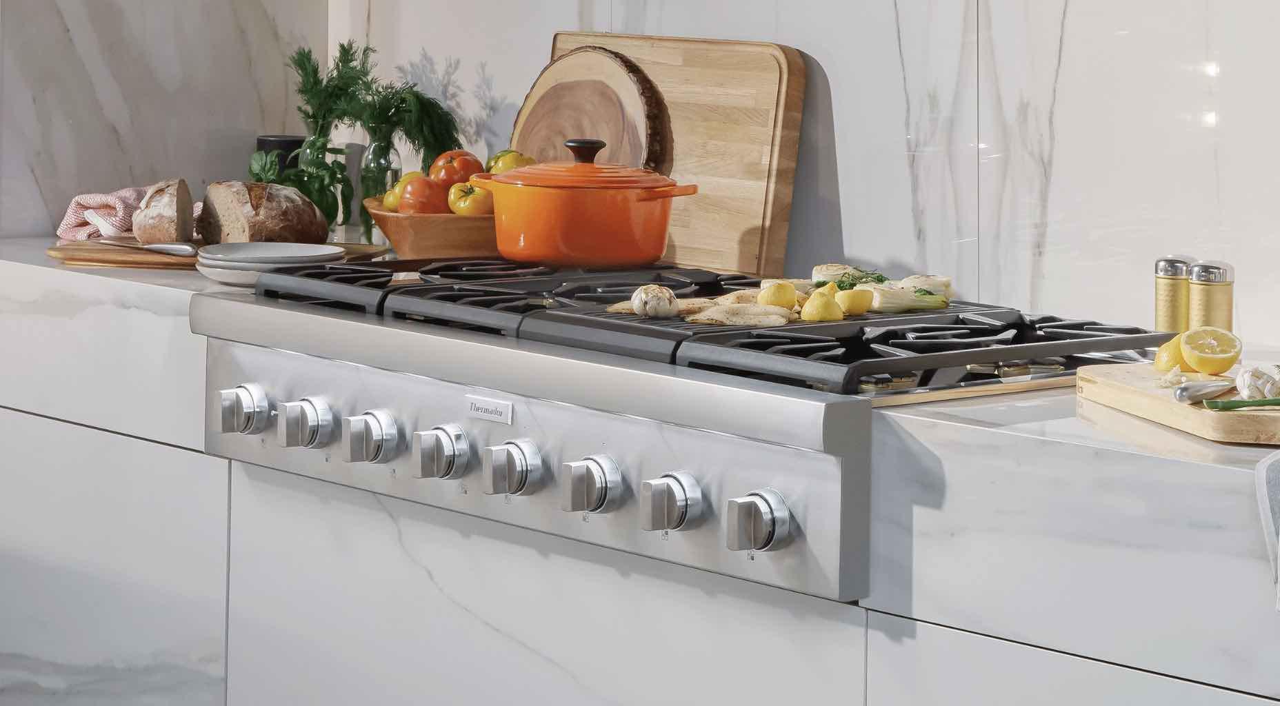 Thermador-rangetop-cooking