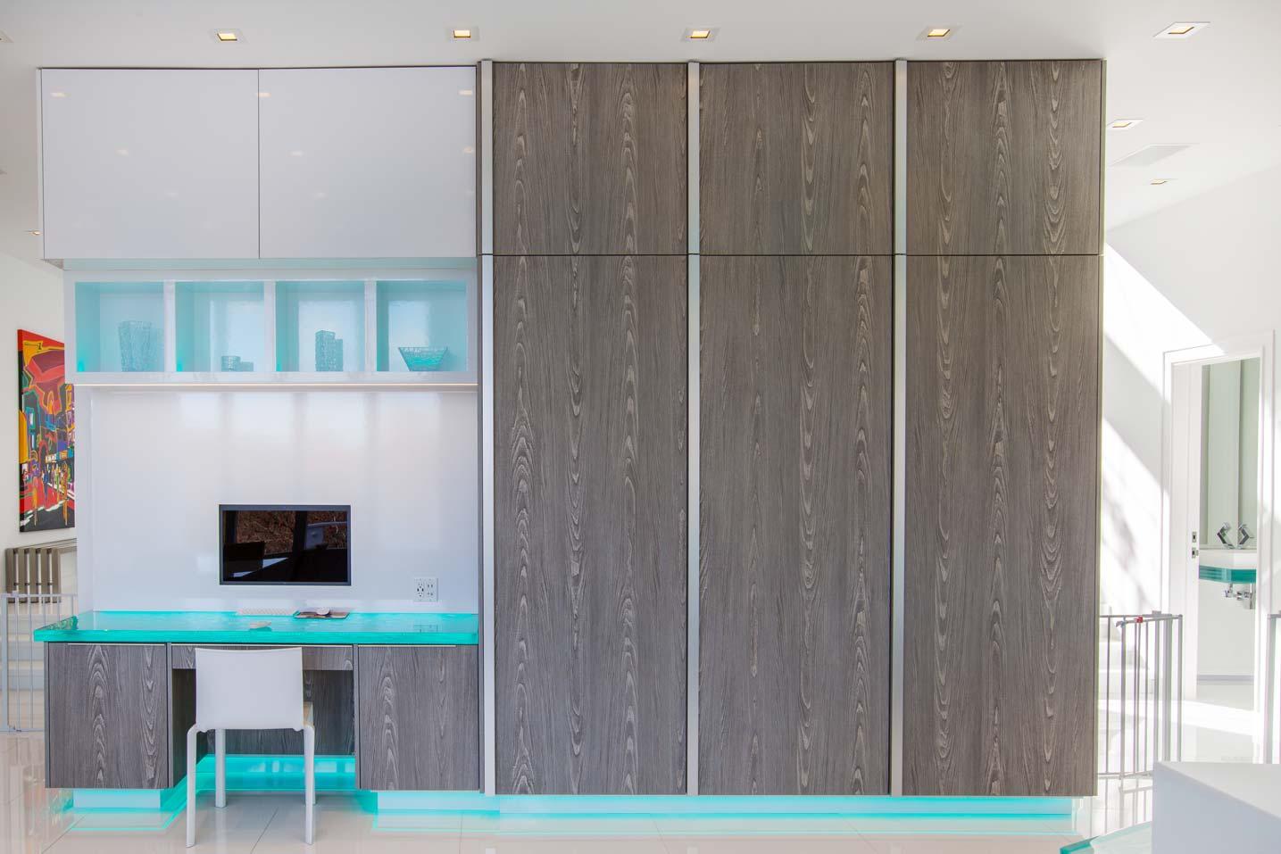 workspace-in-kitchen