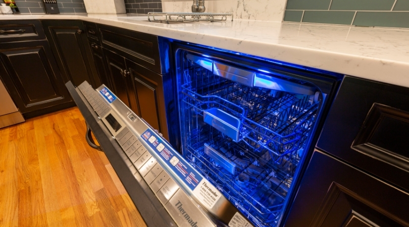 How to Clean a Dishwasher: 4 Quick and Easy Tips