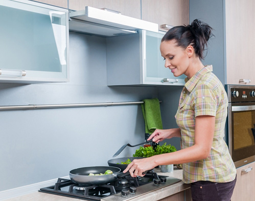 How to reduce indoor air pollution in your kitchen