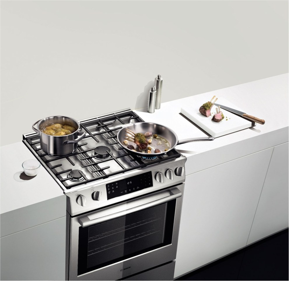 hgip054uc bosch benchmark series 30 slide in gas range stainless steel. Black Bedroom Furniture Sets. Home Design Ideas