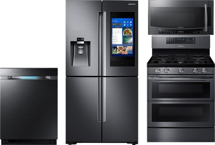 Samsung 4 Piece Kitchen Appliances Package With Family Hub