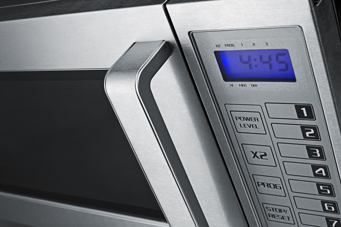 Scm1000ss Summit 0 9 Cu Ft Stainless Steel Interior And Exterior Microwave Commercially