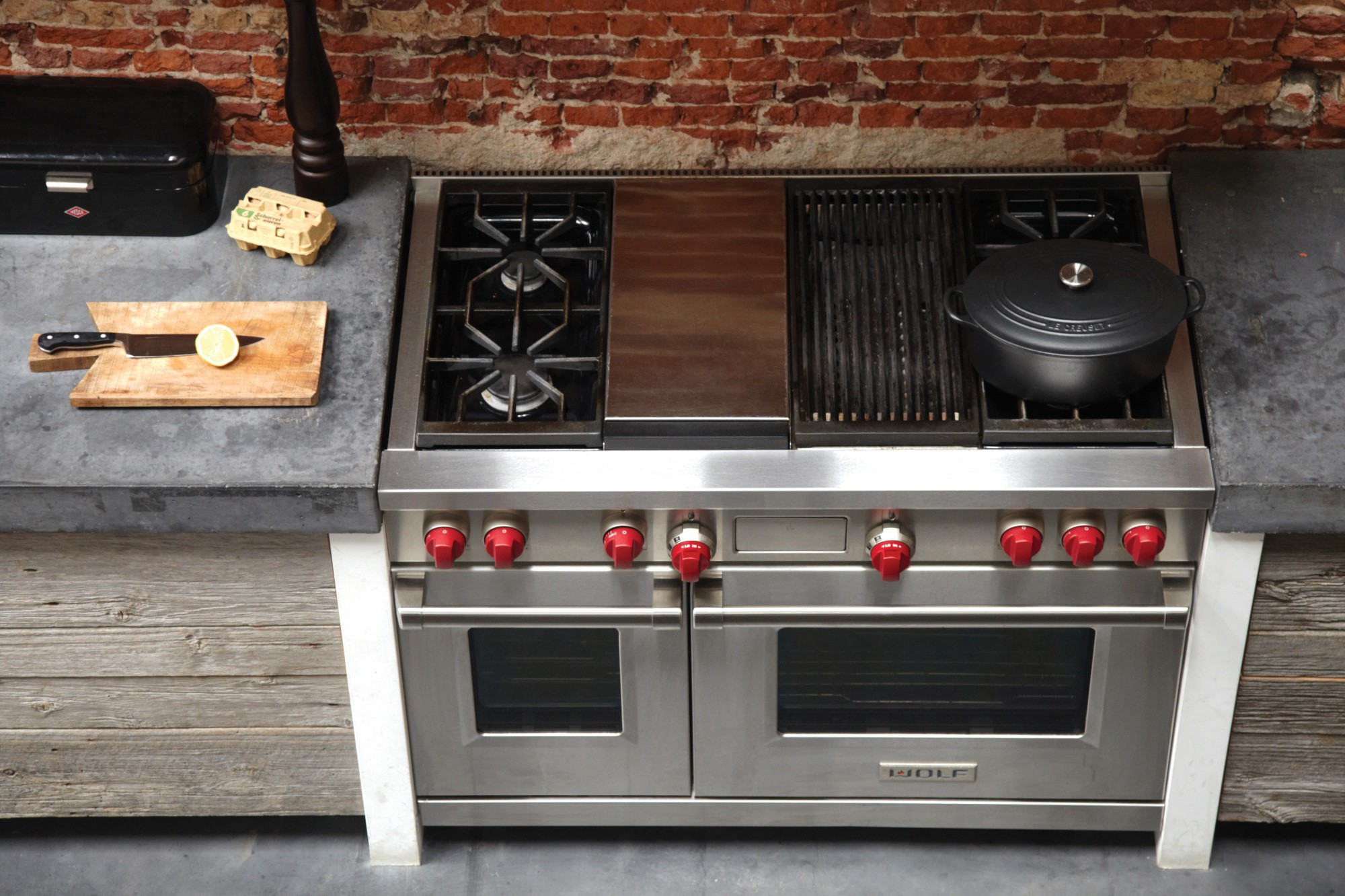 Stove With Griddle In The Middle ~ Wolf df cg quot dual fuel range with sealed burners