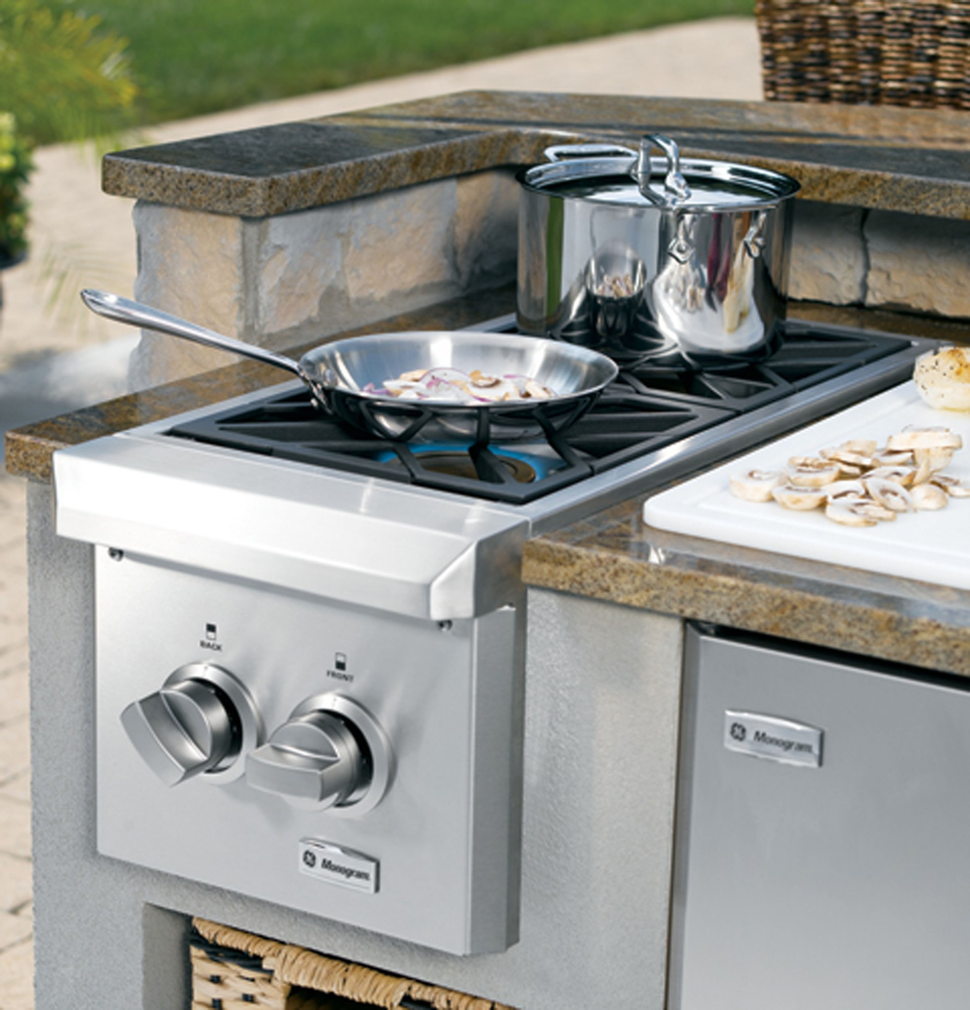 Monogram Dual Burner Outdoor Cooktop (Natural